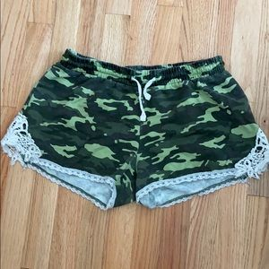 Freshman 1996 Camouflage Shorts Sz L